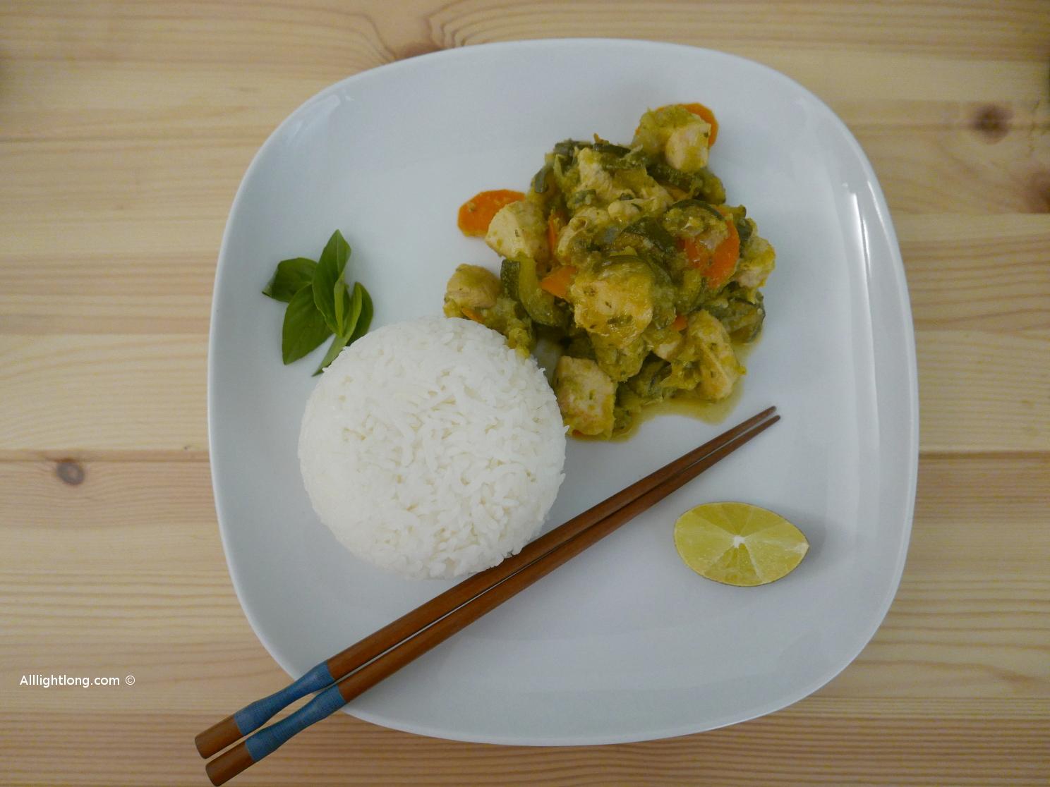 Poulet citronnelle basilic tha et poivrons verts - Cuisiner les poivrons verts ...